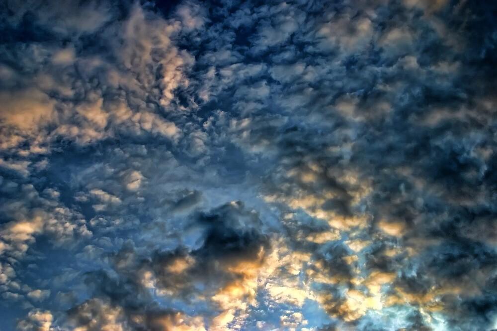 Cloud 20120130-68(2) by Carolyn  Fletcher