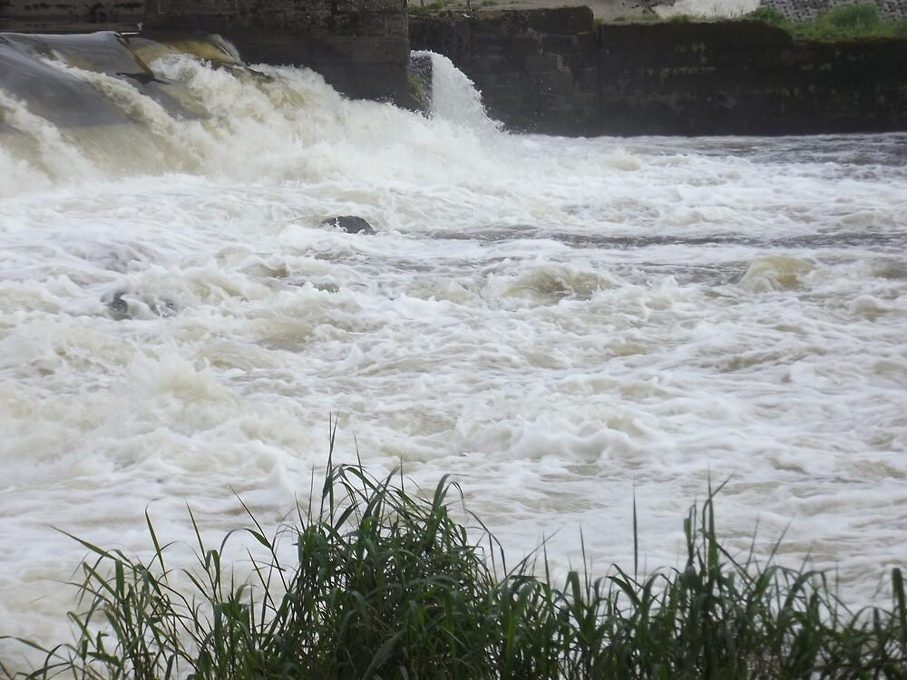 Water over the Weir by flowerpot23