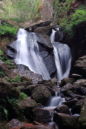 Waterfall (Burn O Vat, Aberdeenshire) by MelissaSue