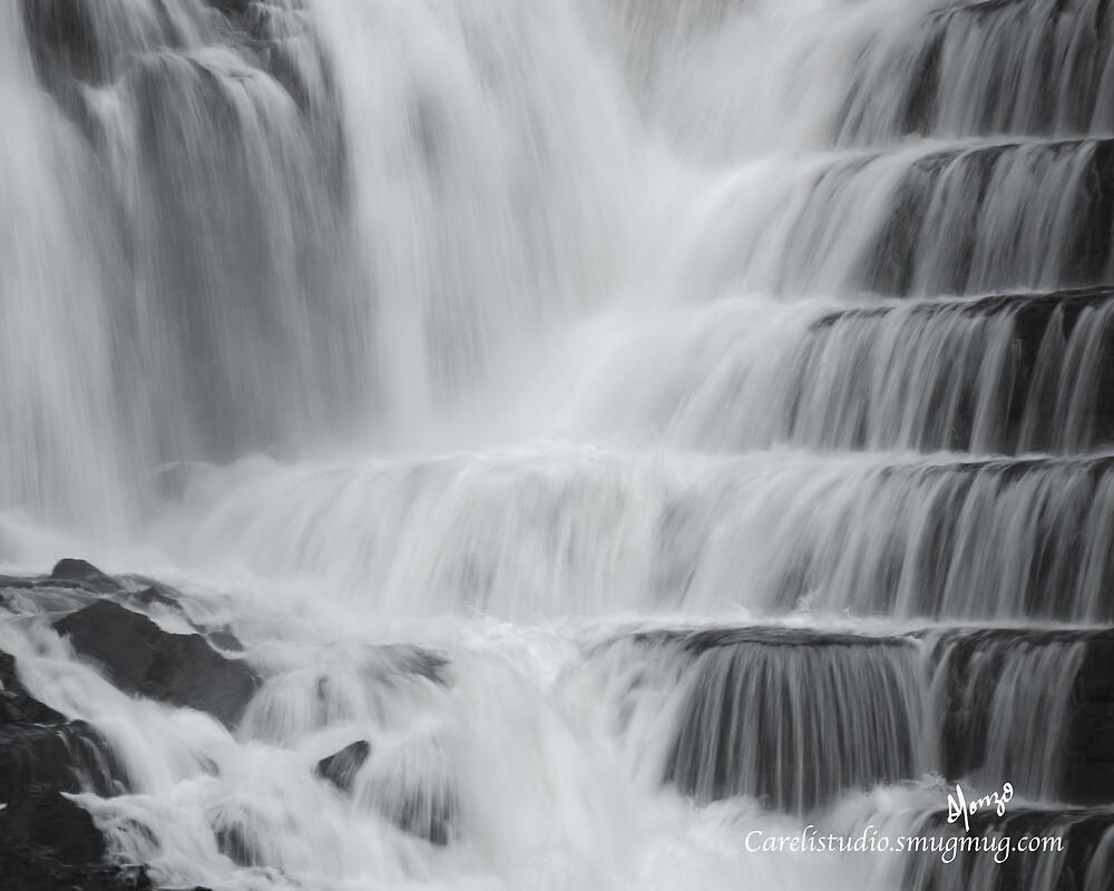Croton Dam, NY, Waterfall by alocarlos