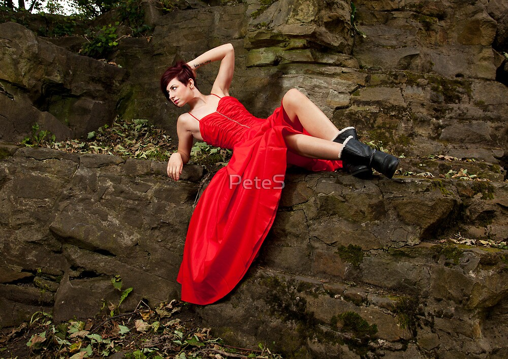 Red on the Rocks by PeteS