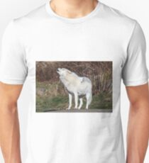 An Arctic Wolf Howls during the day T-Shirt