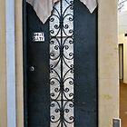 16/9 shut gate by Evelyn Bach
