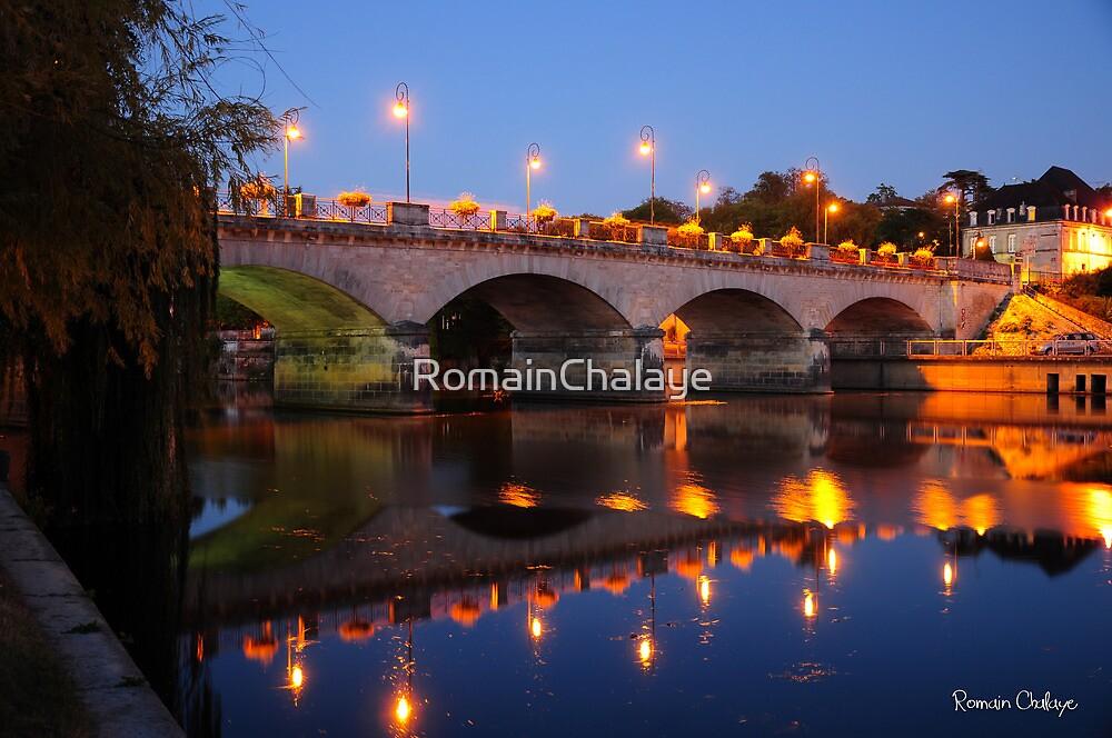 Cognac bridge by RomainChalaye