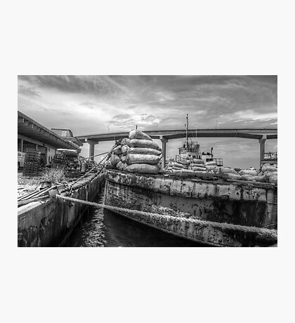 Unloading bags of coal in Potter's Cay - Nassau, The Bahamas Photographic Print