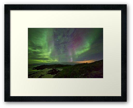 Auroras over the beach by Frank Olsen