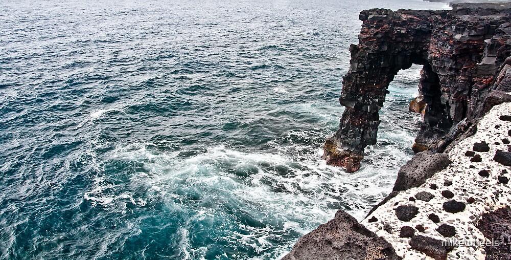 Ocean Arch by mikewheels
