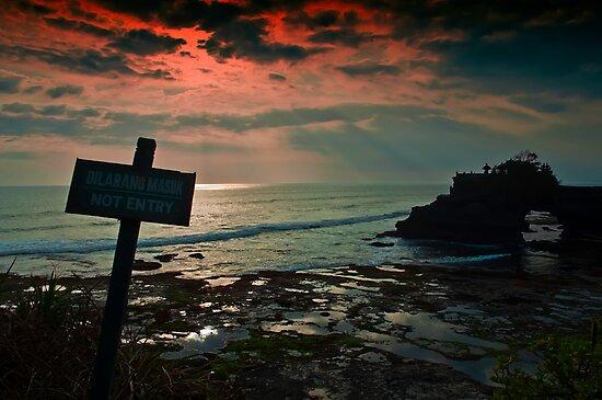 Do Not Entry...!! by Santonius