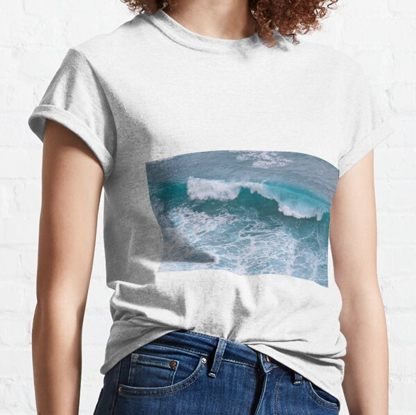 The sea is calling and I must go! Tropical  Classic T-Shirt