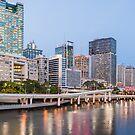 Brisbane from the Kurilpa Bridge by liming tieu