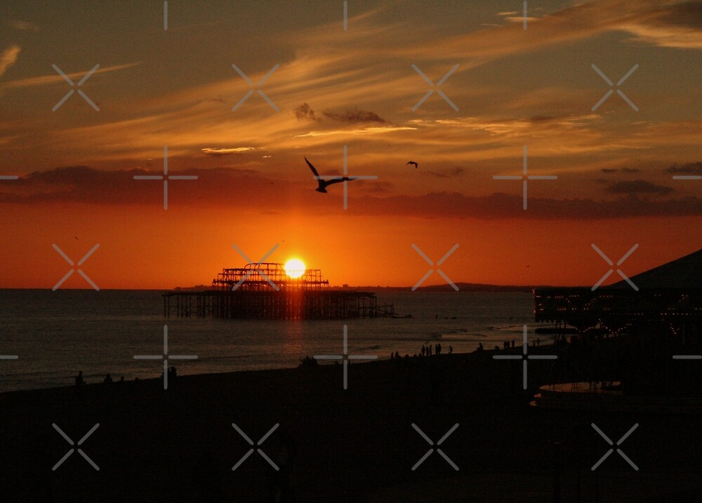 A Brighton sunset by Asrais