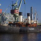 Icebreaker Tarmo - Kotka by seymourpics