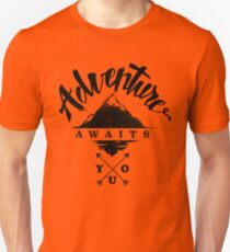 Adventure Awaits You - Cool Outdoor Shirt-Design T-Shirt