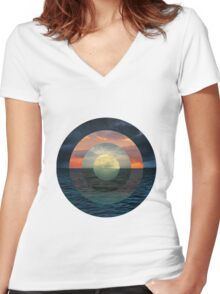 Ocular Oceans Women's Fitted V-Neck T-Shirt