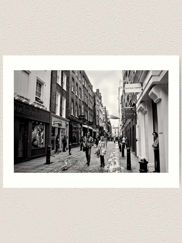 Alternate view of An afternoon shopping in London - Britain Art Print
