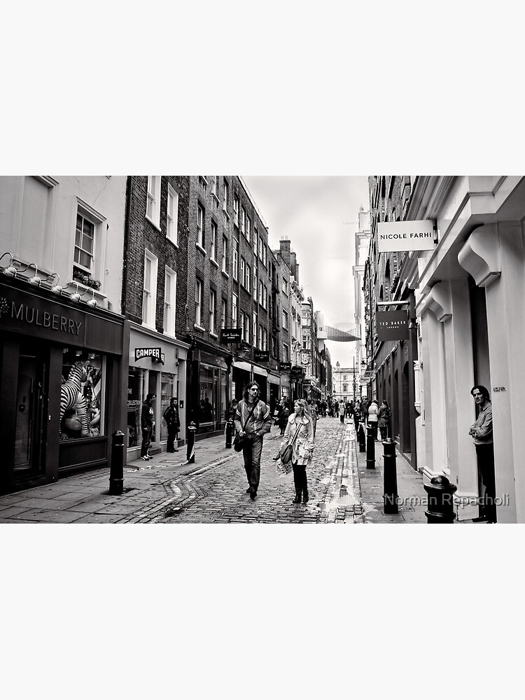An afternoon shopping in London - Britain by keystone