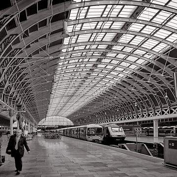 Paddington Platform 9 - London - Britain by keystone