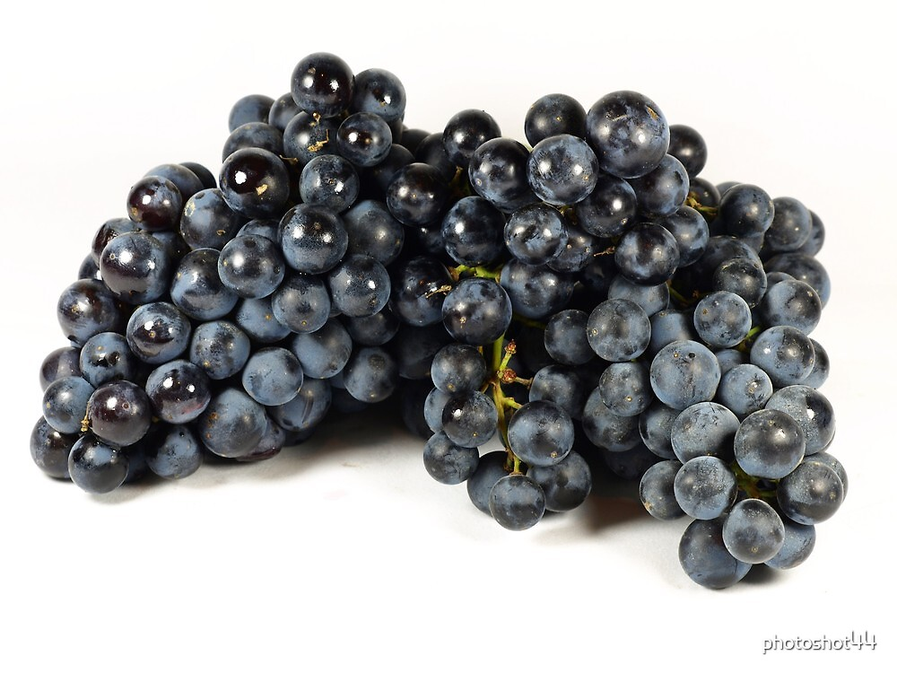 Small Red Grapes by photoshot44