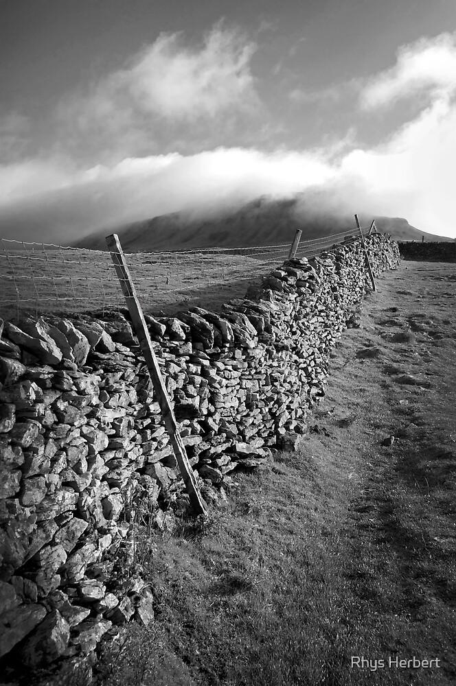 The Peak Wall - Yorkshire by Rhys Herbert