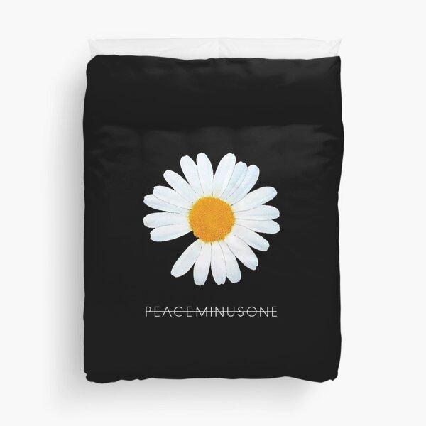 G-Dragon Peaceminusone Daisy Flower (Ania Mardrosyan) Duvet Cover