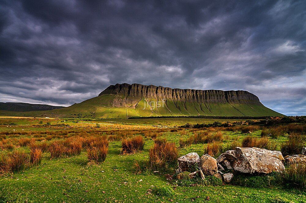 Benbulben Mountain by jigsf