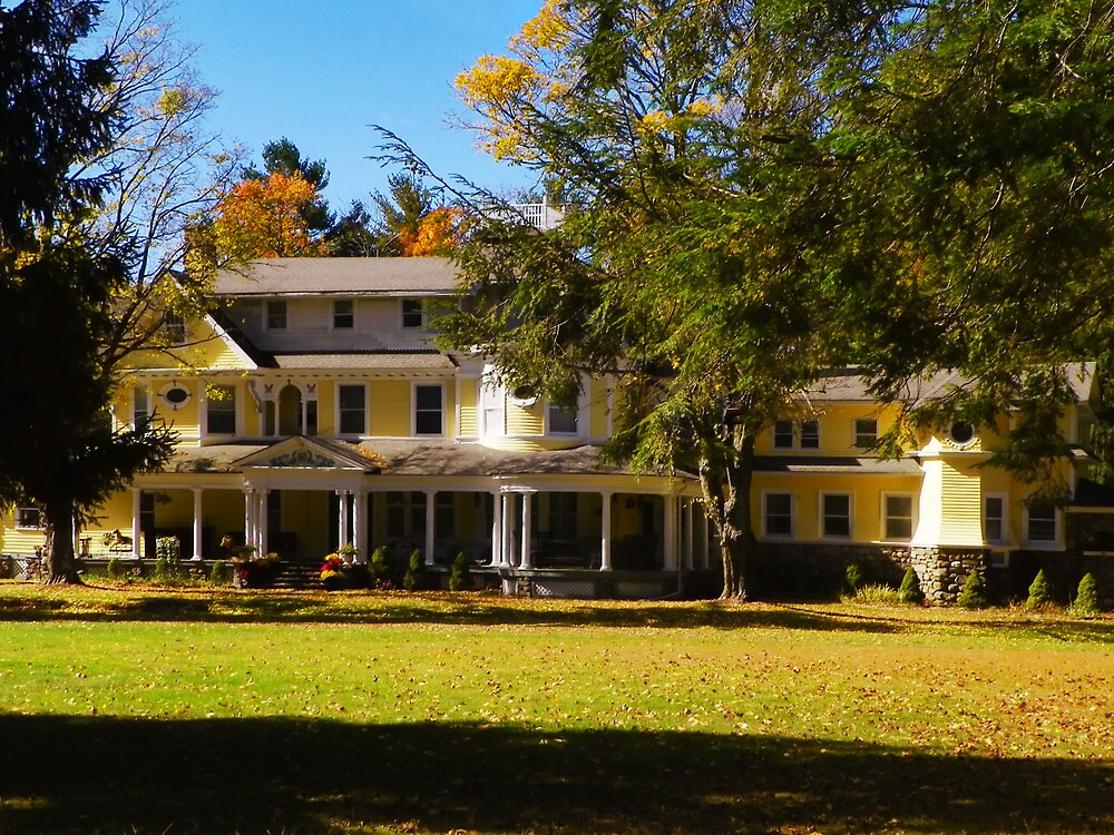 Burn Brae Mansion by Pamela Phelps