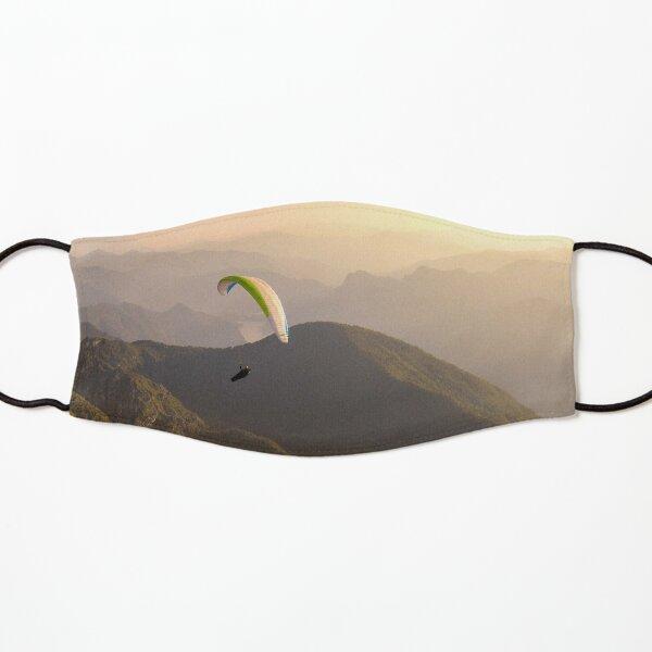 Gleitschirmflieger im Sonnenuntergang Maske für Kinder