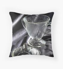 la beauté du verre Throw Pillow
