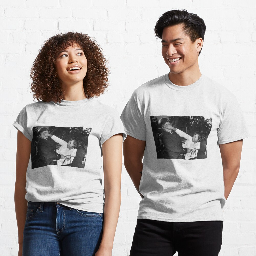 Black woman punching police officer Classic T-Shirt