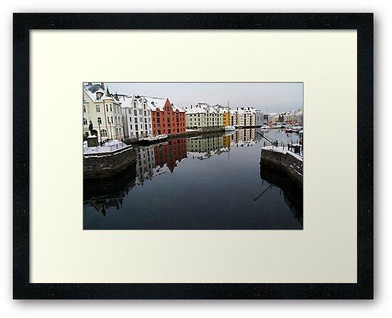 Alesund Harbour, Norway by fg-ottico