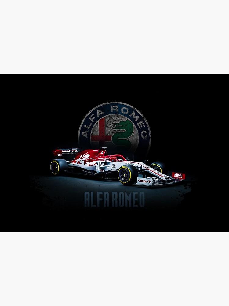« une impression avec des voitures de course F1 Alfa Romeo c39 f1 convient aux fans de course de Formule 1. Un t-shirt avec une impression convient pour regarder le championnat de Formule 1» par Svinil