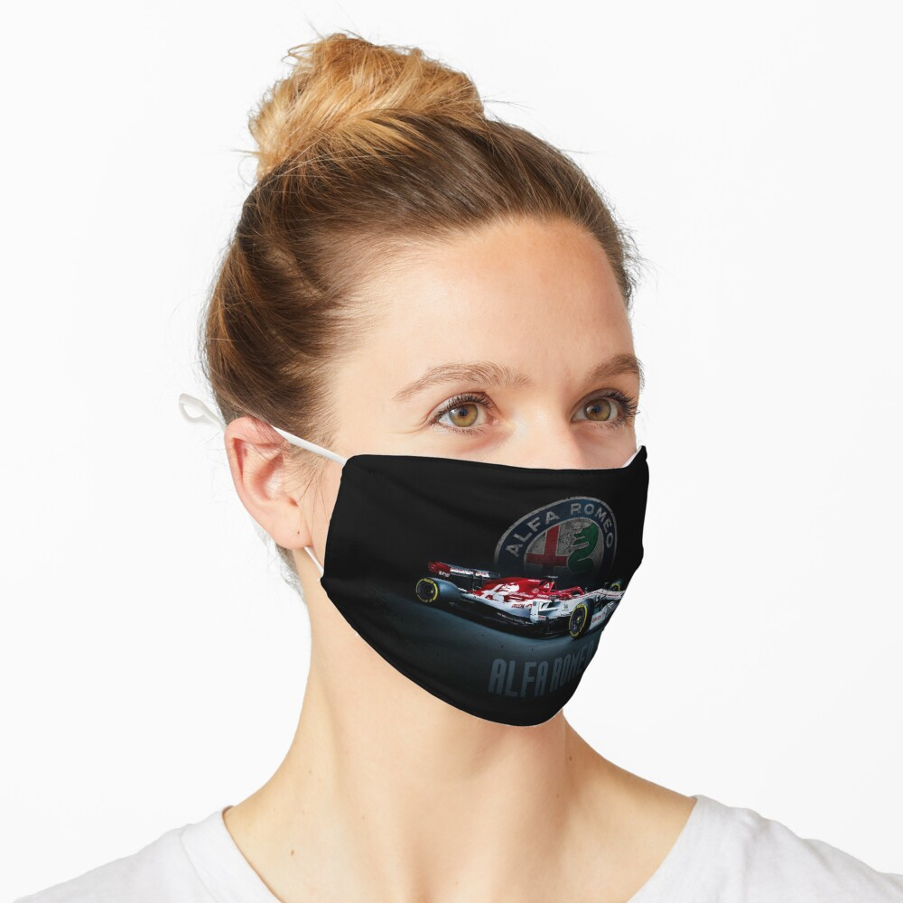 Masque « une impression avec des voitures de course F1 Alfa Romeo c39 f1 convient aux fans de course de Formule 1. Un t-shirt avec une impression convient pour regarder le championnat de Formule 1»
