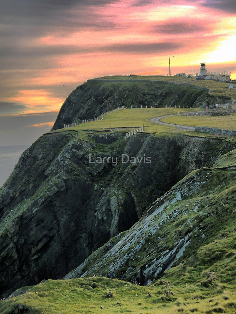 60 N..... (15)  The Light by Larry Lingard-Davis