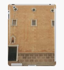 Traditional Mahon iPad Case/Skin