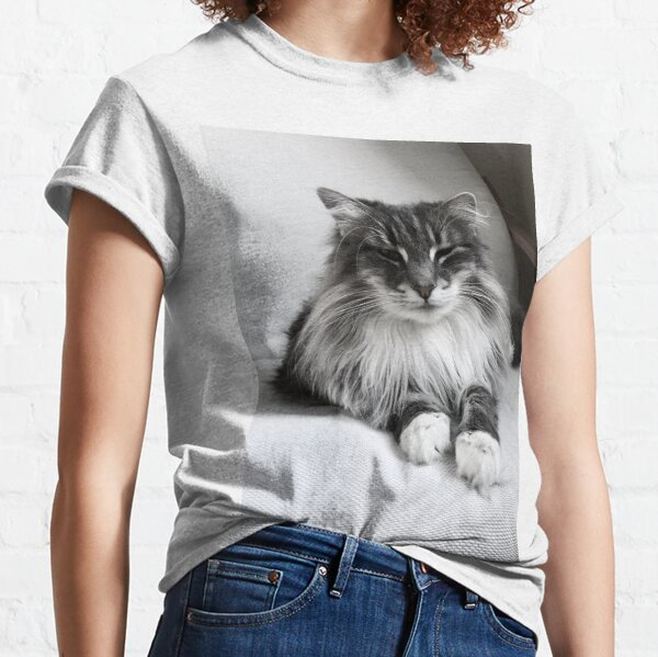 Pretty Cat Black and White Classic T-Shirt