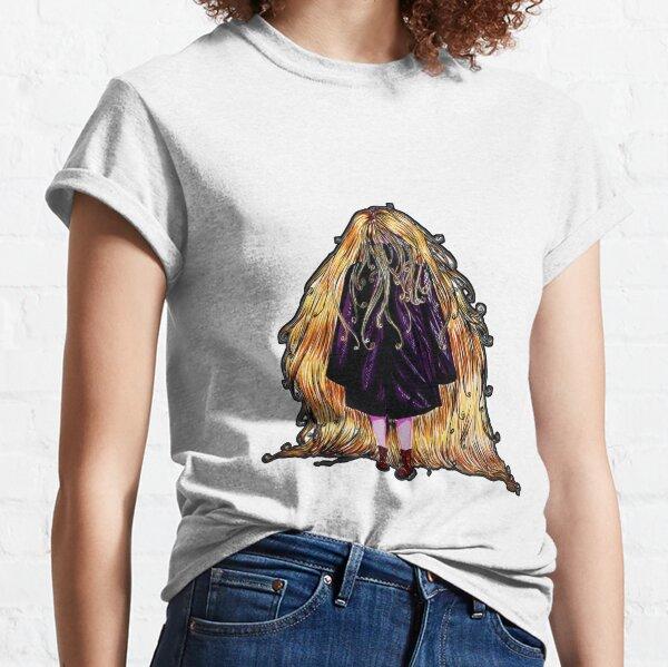 Faceless Girl au manteau et liseré noir Classic T-Shirt