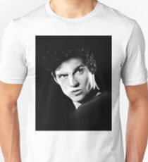 Shadows searching in the night... Unisex T-Shirt