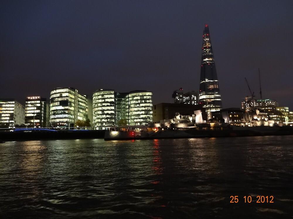 LONDON NIGHT by Susnata Das