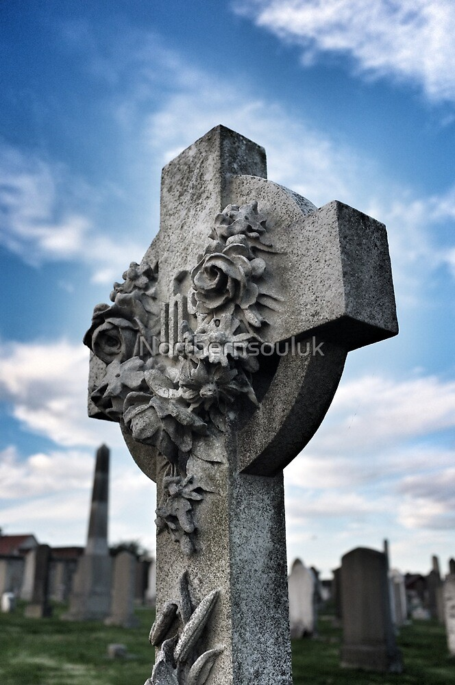 Standing Cross by Northernsouluk
