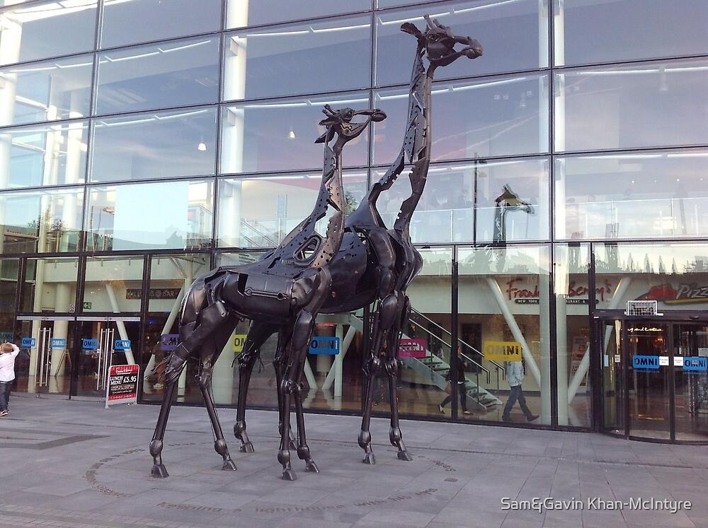 Giraffe sculpture by Sam&Gavin Khan-McIntyre