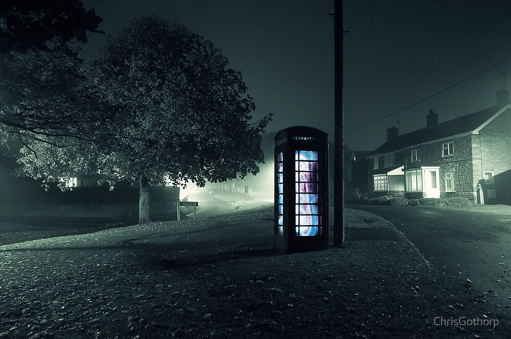 Glowing Phonebox by ChrisGothorp
