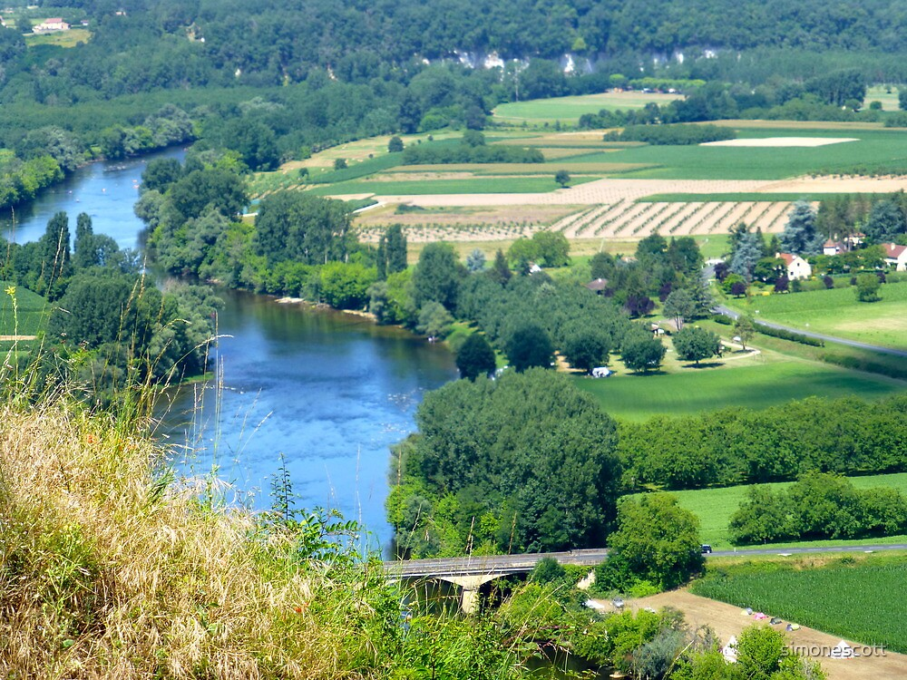 Valley of the Dordogne river, France by simonescott
