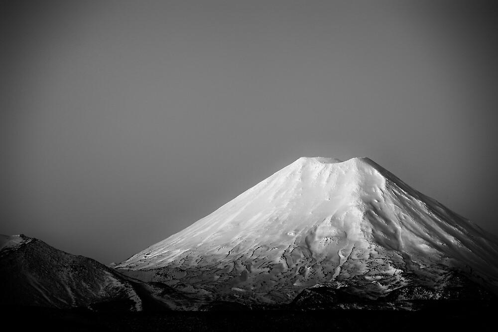 Mount Ngauruhoe by meredithnz