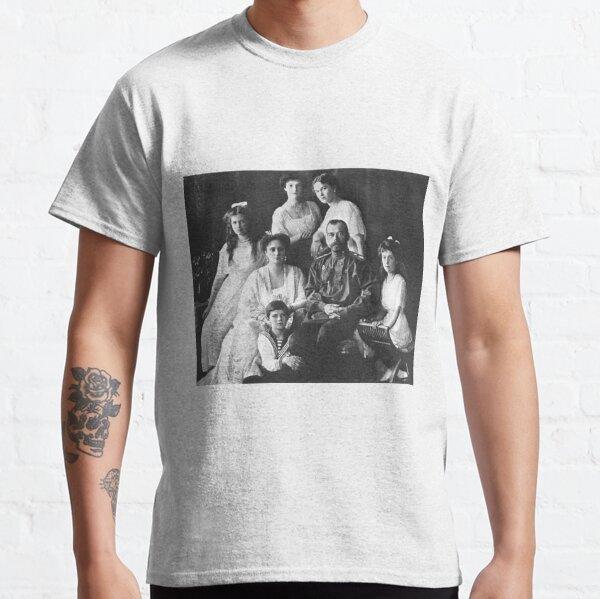 Царь Николай II и его семья в Санкт-Петербурге. Начало 1910-х гг.  Classic T-Shirt