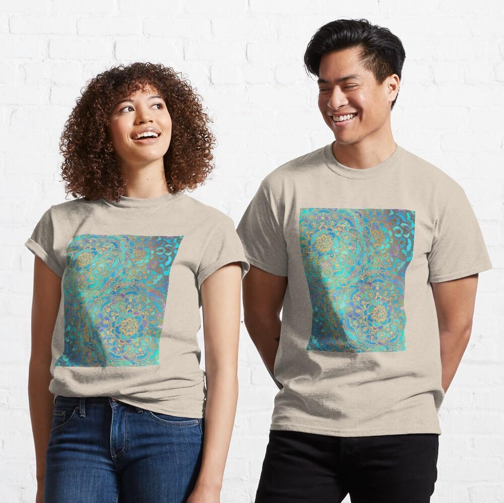 in Photoshop abgeschlossen. Mit den Konzepten des Metalls spielen Classic T-Shirt