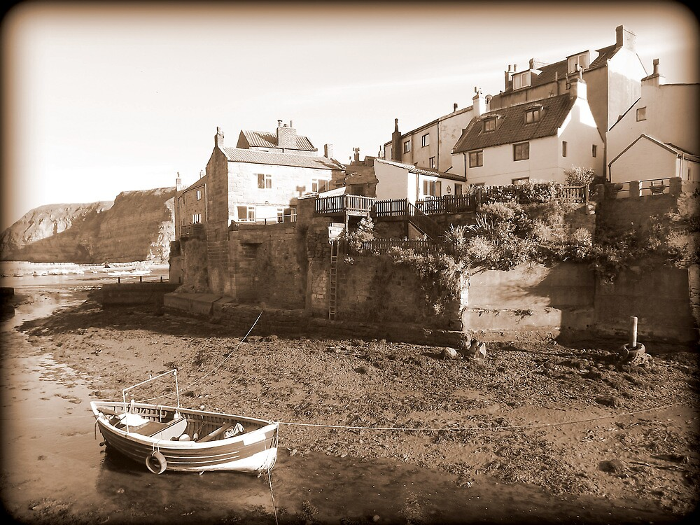 Low Tide, Roxby Beck, Staithes by FritzFitton