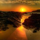 Sunrise at Burgess Beach. by Julie  White