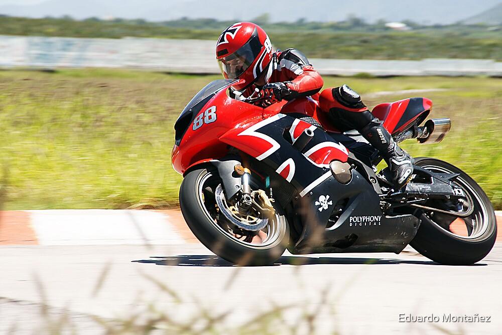 Red superbike by Eduardo Montañez