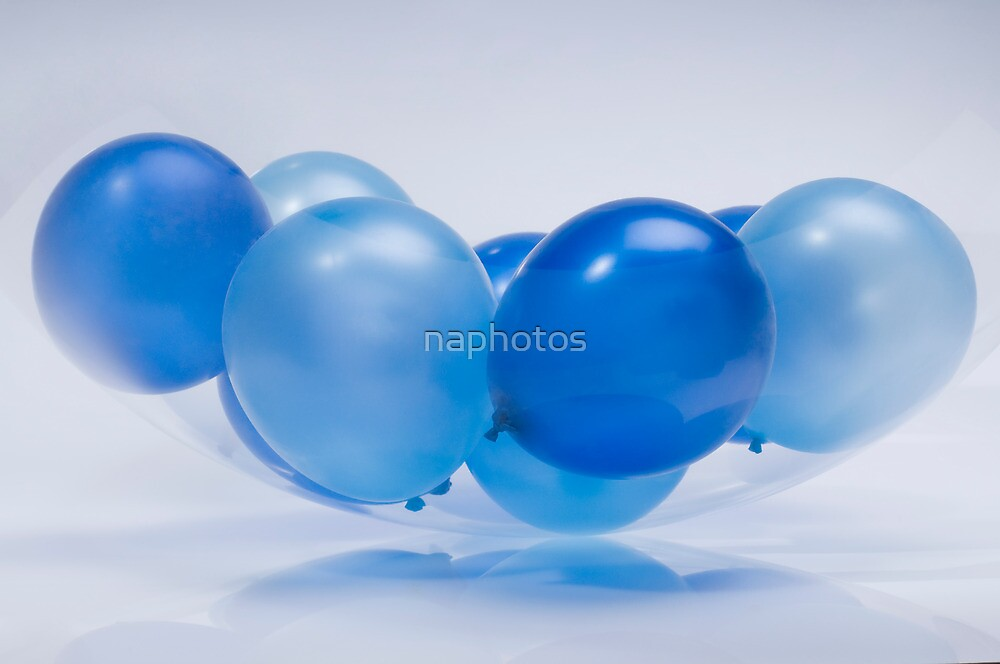 blue balloon by naphotos