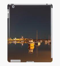 Mirrored Moorings iPad-Hülle & Klebefolie